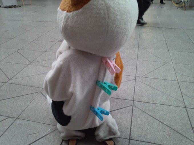 洗濯物! かわいい着ぐるみを着た小さな子どもの背中が残念すぎる(笑)livingdoll_0009