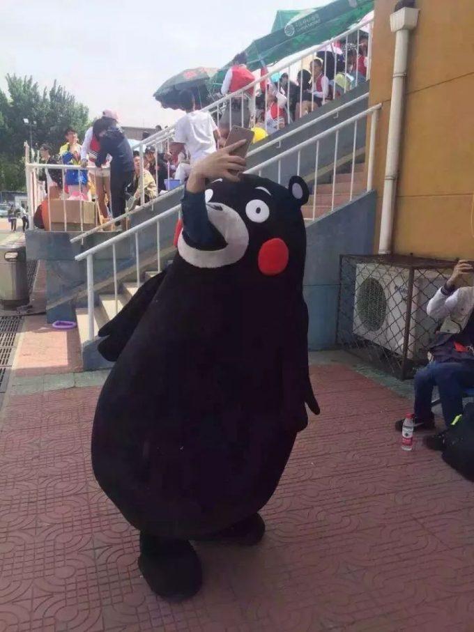 人喰い! 中国に現れたパクりくまモンが人を丸呑みしていてヤバい(笑)livingdoll_0011_01