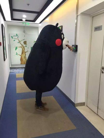人喰い! 中国に現れたパクりくまモンが人を丸呑みしていてヤバい(笑)livingdoll_0011_02