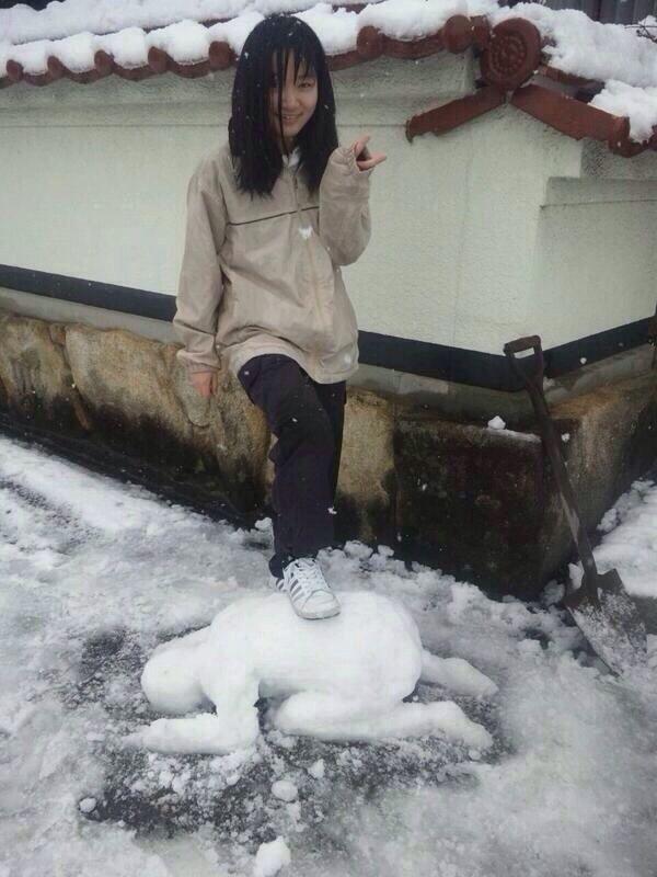 従いなさい! 妹が作った土下座をする雪だるま(笑)photo_0019