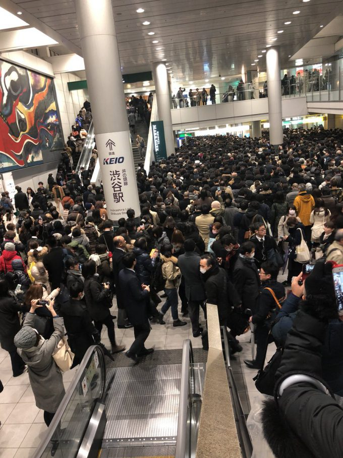 大混雑! 2018年1月22日関東大雪で渋谷駅の井の頭線入場規制がヤバいことに(笑)photo_snow0001a