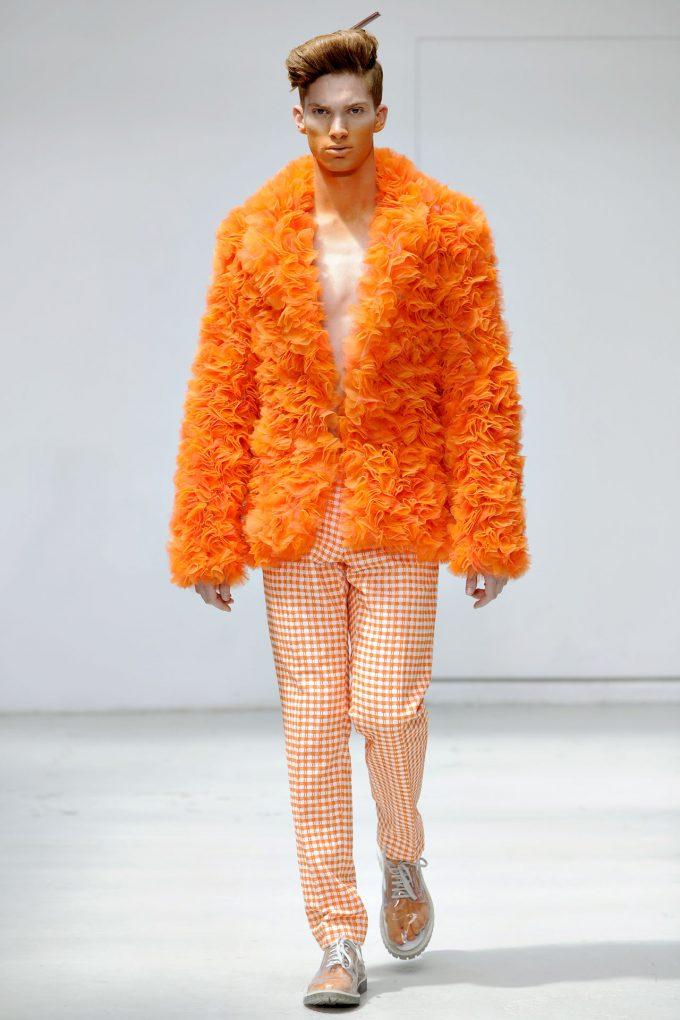 モコモコ! ウォルター・ヴァン・ベイレンドンクの2012春夏パリファッションショー(笑)beauty_0105_02