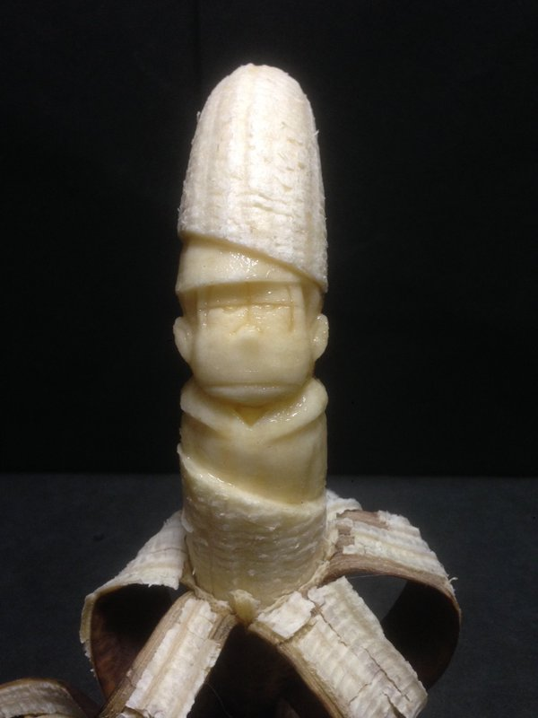 バナナ彫刻作品おそ松さんの一松food_0128_03