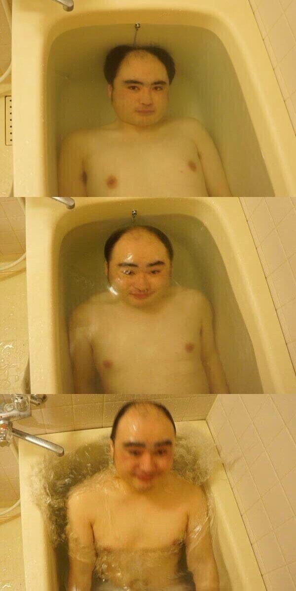 浮上! 全身を湯ぶねに沈めてから風呂から出る瞬間を撮影した4コマがシュール(笑)photo_0025