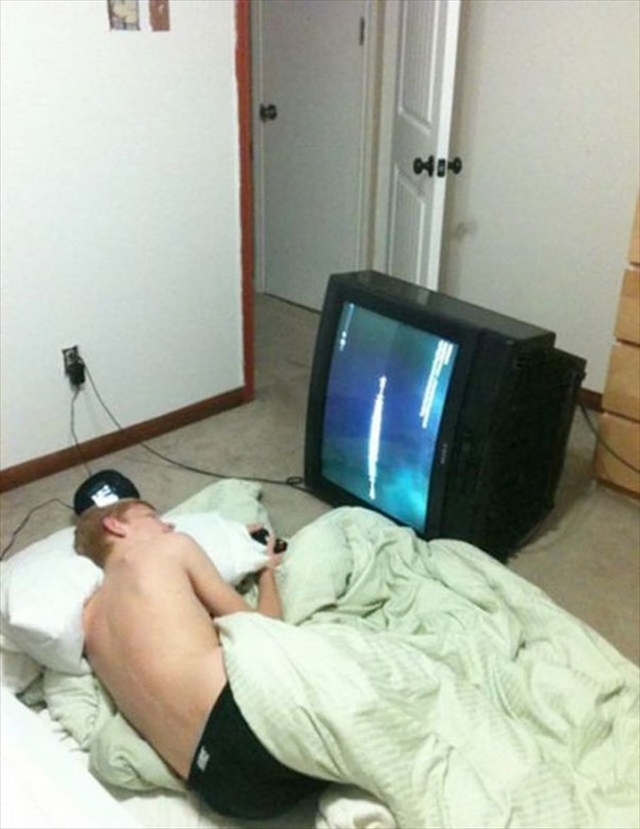 怠惰! 起きてゲームするのが面倒なオタクが考えた斬新なゲームスタイル(笑)otaku_0019