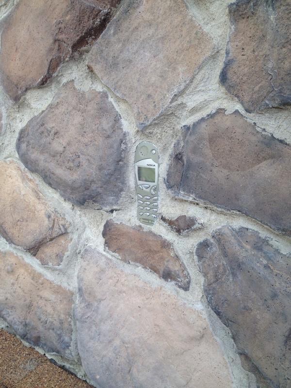 なんでこんな所に? 壁に埋まっているある物に驚き(笑)photo_0016