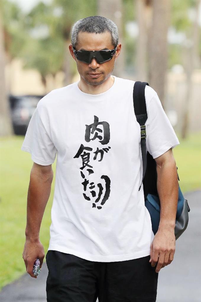 悟空? イチローの着ているTシャツに書かれている文字がおもしろい(笑)talent_0105_03