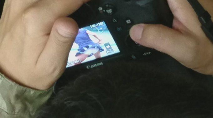 え? 電車内で撮影した写真を見ている男性がいたので見てみたら(笑)