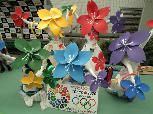 【川崎ハロウィンおもしろ仮装画像】お見事! カワサキハロウィンコンテストで見かけた2020東京オリンピック「招致の桜」エンブレム仮装(笑)