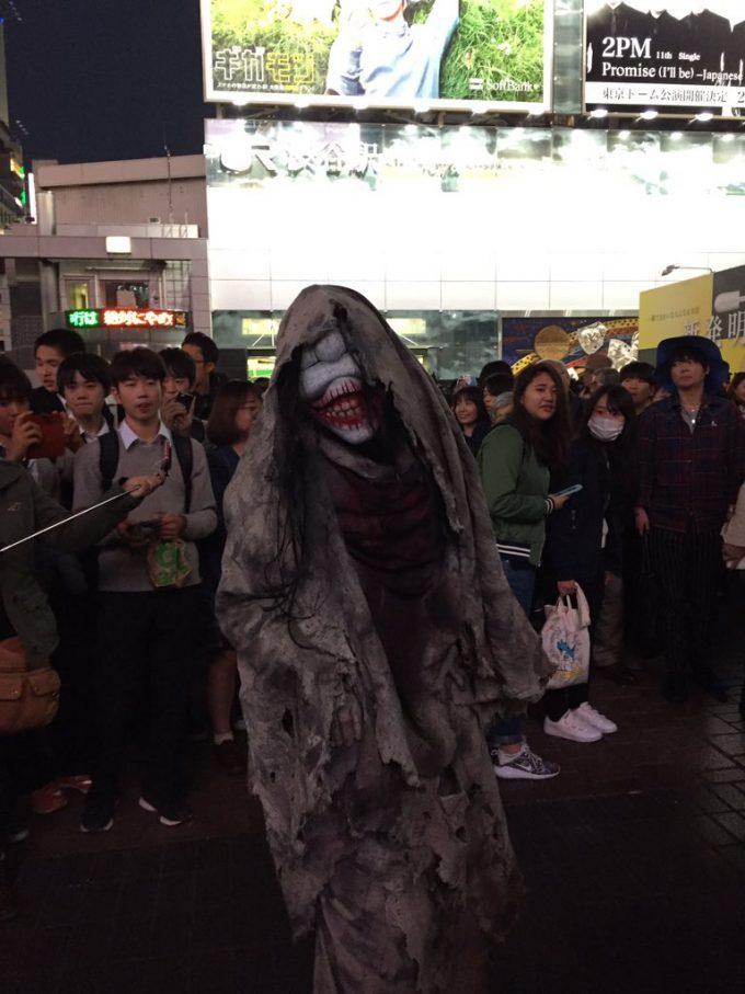 【渋谷ハロウィンおもしろ仮装画像】怖すぎ! ハロウィン渋谷駅前で見かけたお化け仮装がガチすぎて怖すぎます(笑)