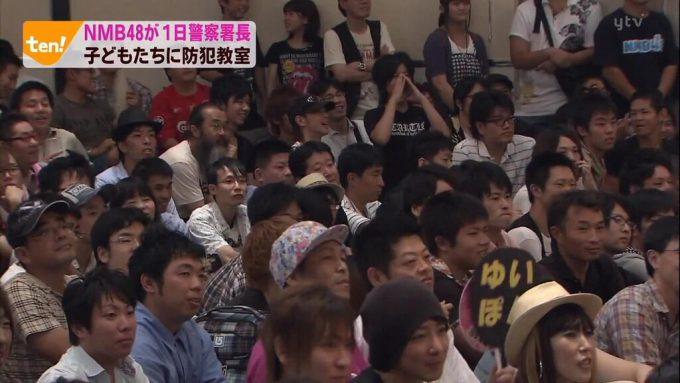【オタクおもしろ画像】子ども? NMB48が1日警察署長をした時に防犯教室に集まった子どもたちが大きい(笑)
