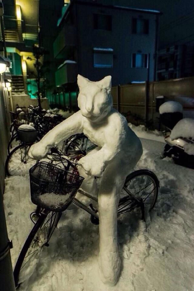 力作! 大雪で作った『雪だるニャ』のクオリティが高すぎます(笑)