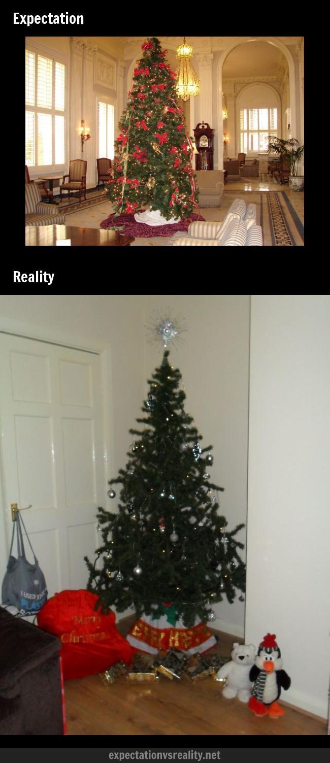 現実はこんなもの! 家に飾るクリスマスツリーの理想と現実(笑)