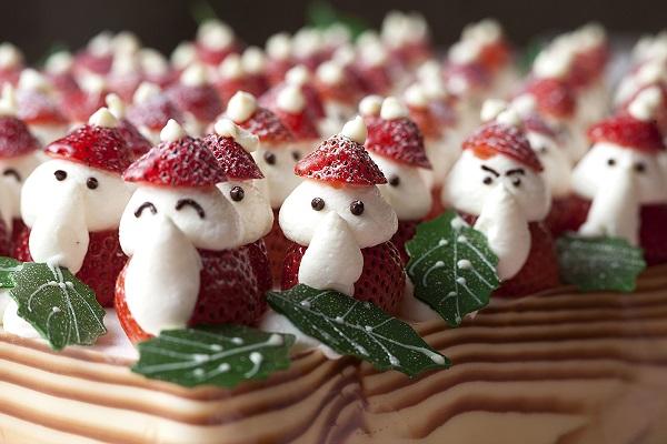 名古屋観光ホテルの苺のサンタパレード
