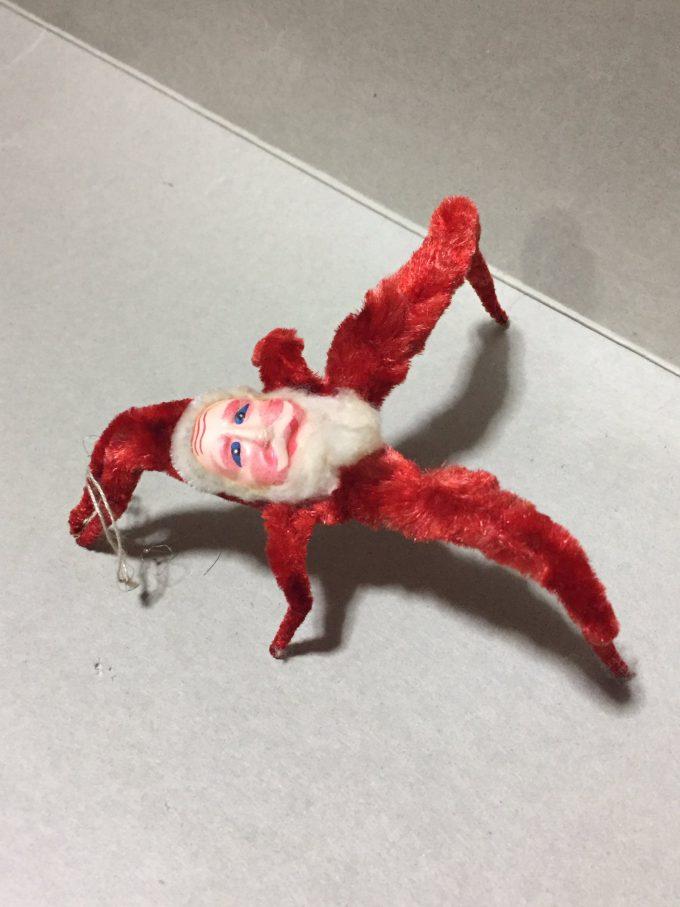 なぜ作った? サンタさんの飾りがクリーチャーみたいで気持ち悪すぎます(笑)