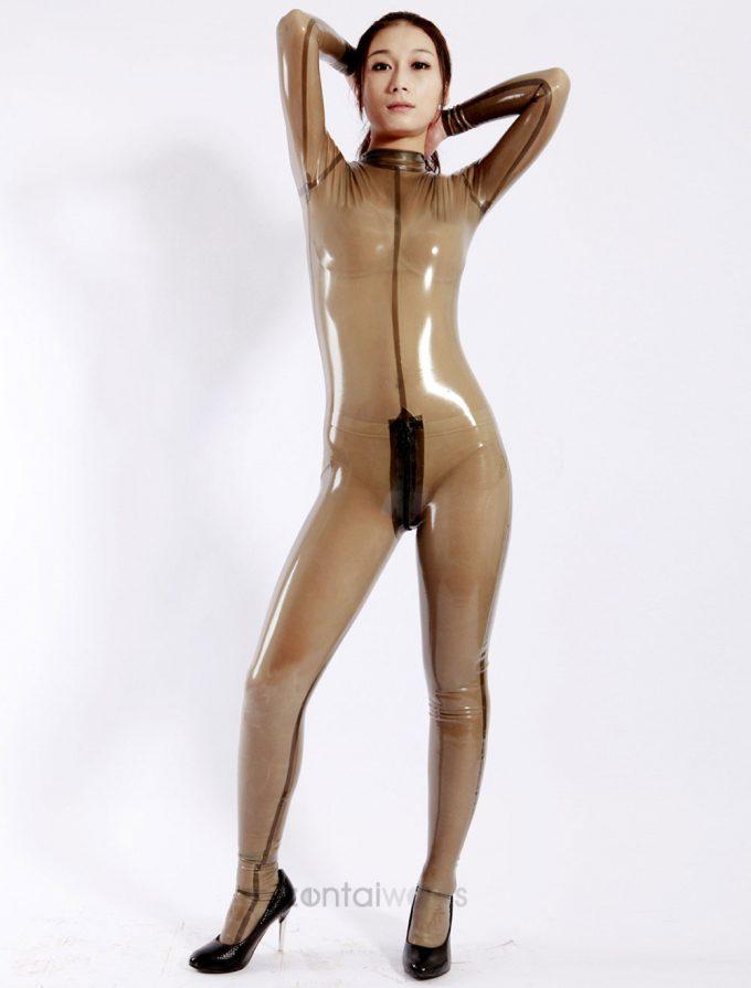 透け透け! ハロウィンで着たら絶対に注目を浴びるゴム製キャットスーツ(笑)