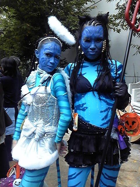【川崎ハロウィンおもしろ仮装画像】真っ青! カワハロ2010で映画『アバター』のパンドラからやってきたナヴィ仮装がすごい(笑)