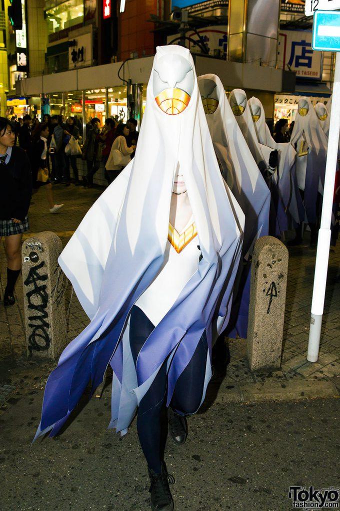 【渋谷ハロウィンおもしろ仮装画像】渋ハロで見かけた白装束の怪しい集団仮装が気味悪い(笑)