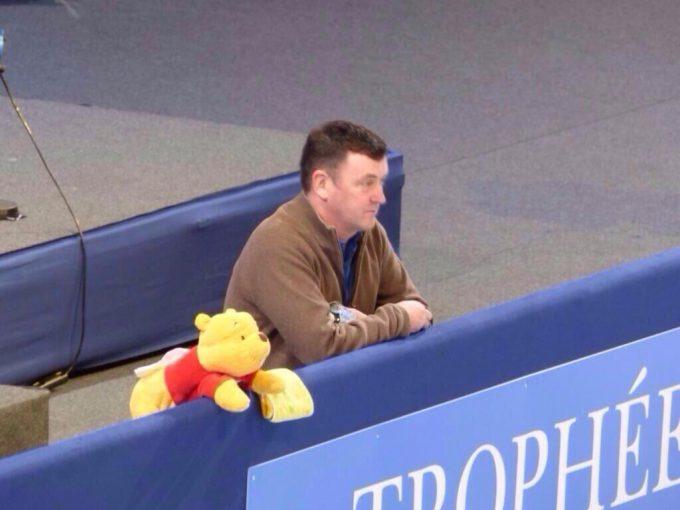 祈る! フィギュア羽生結弦を見守るコーチのくまのプーさんがかわいすぎ(笑)