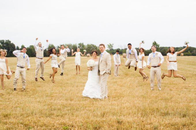ぼっち! 独身男が友だちの結婚式に出席したら悲しい展開に(笑)