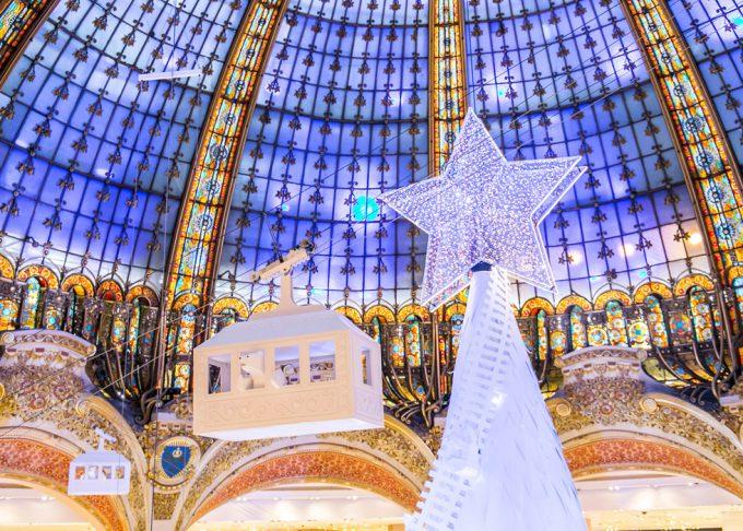 2016年ギャラリー・ラファイエットのクリスマスツリー