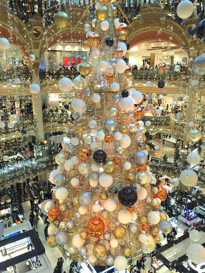 2015年ギャラリー・ラファイエットのクリスマスツリー