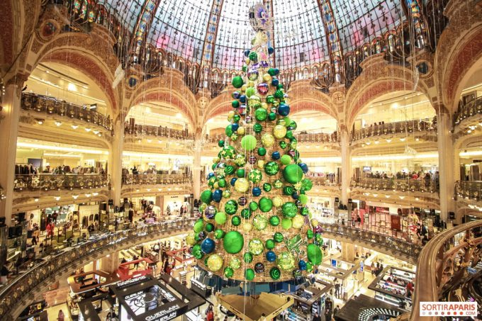 2018年ギャラリー・ラファイエットのクリスマスツリー