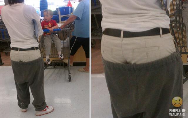 え? アメリカウォルマートで見かけたズボンの上にズボンを履く男性(笑)