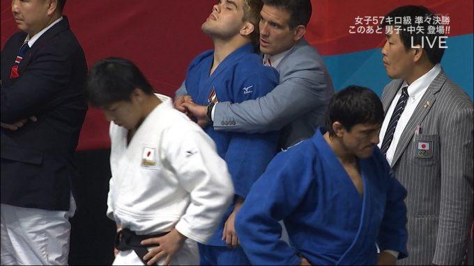 力が! ロンドンオリンピックでアメリカ代表の柔道選手がコーチに抱きしめられる(笑)