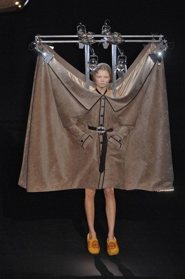 ヴィクター&ロルフの2007-2008パリ秋冬コレクション