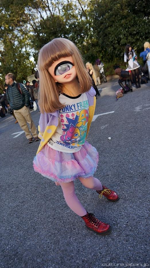 じー! インパクトある一つ目少女コスプレをワンダーフェスティバルで発見(笑)