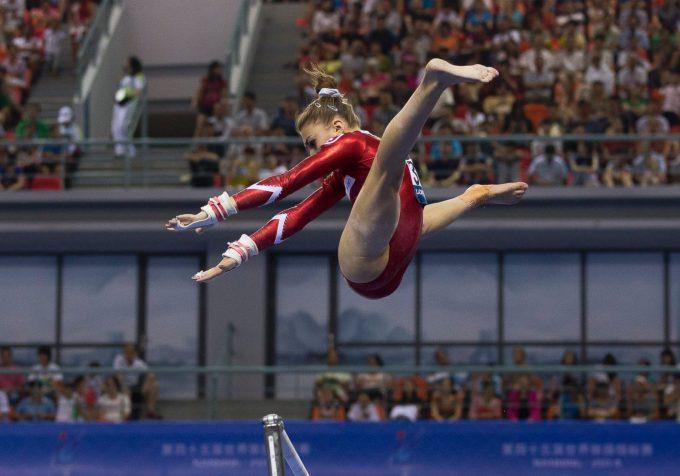 人間離れ! 2014世界体操競技選手権大会に出場のIlaria Kaeslinの足がおかしい(笑)