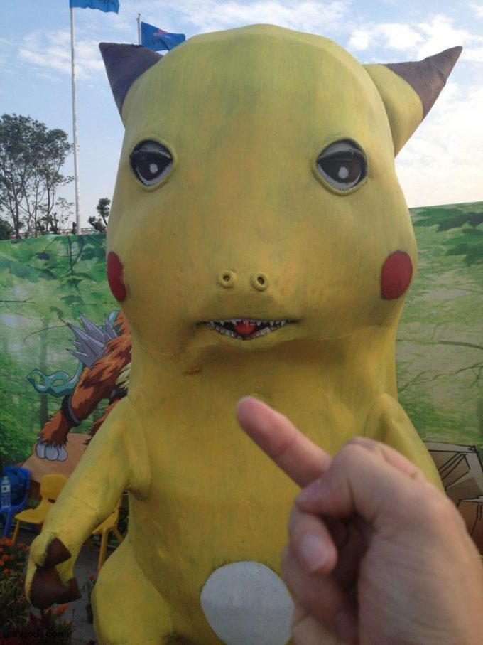 ピカ? 中国のアニメフェスに展示されたピカチュウのクオリティがひどい(笑)