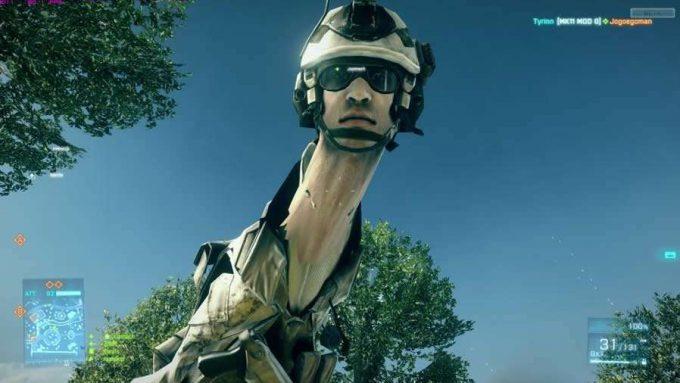ろくろ首! 『バトルフィールド4』で首が伸びるゲームバグがおもしろい(笑)