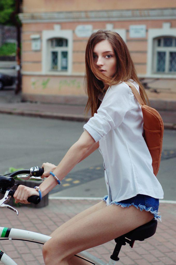 オシャレ? フランスパンを運ぶためだけのバッグ『Baguette Bag』(笑)