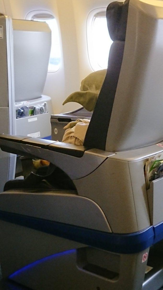 間違いない! ノンスタイル石田、飛行機内でヨーダを見かける(笑)