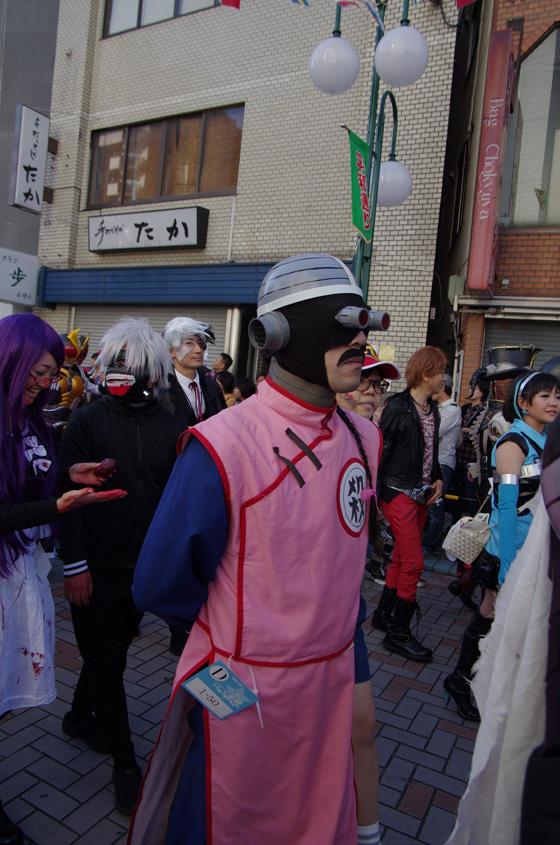 【川崎ハロウィンおもしろ仮装画像】どどん波! 2015カワハロパレードで見かけたサイボーグ桃白白仮装のクオリティ(笑)