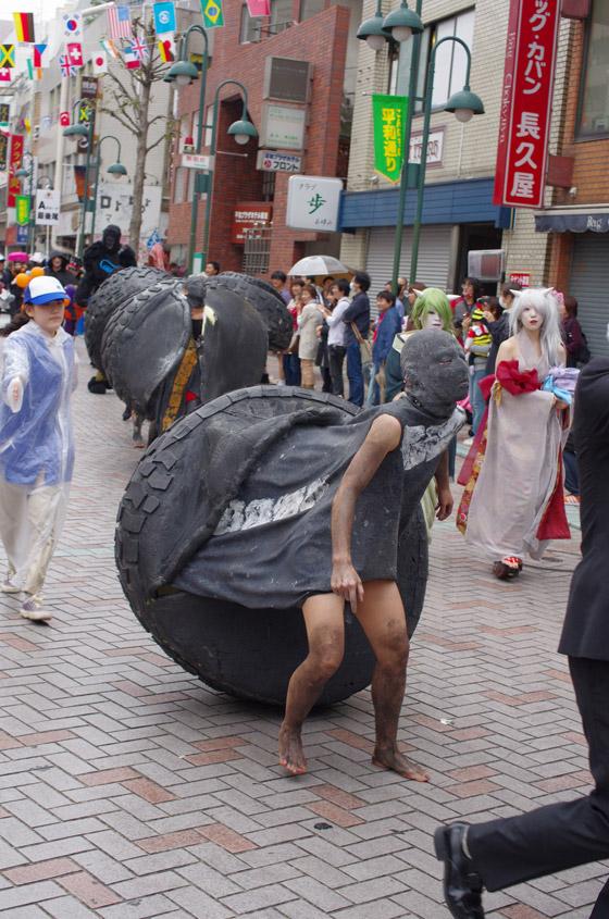 気味悪い! 川崎ハロウィンパレードで見かけた不気味な仮装軍団(笑)