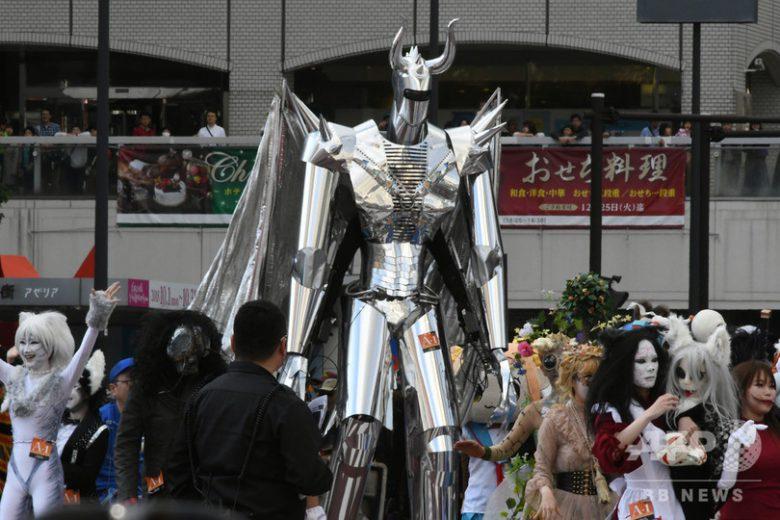【川崎ハロウィンおもしろ仮装画像】でかい! 2018川崎ハロウィンで見かけた巨大ロボット仮装が大きすぎ(笑)