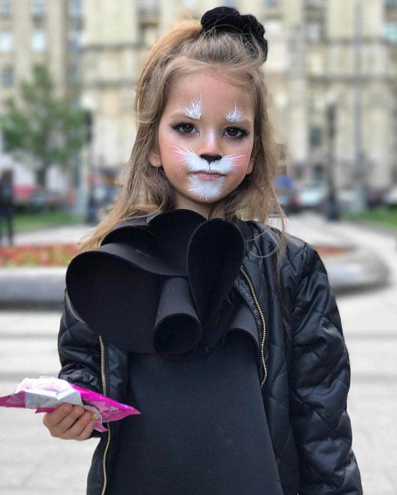 かわいい! 外国人女の子のカメラアプリSNOW風メイクがハロウィンにぴったり(笑)
