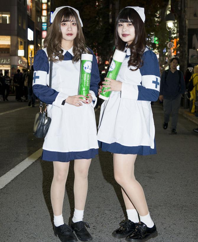 【渋谷ハロウィンおもしろ仮装画像】渋谷ハロウィンで見かけたメンソレータム「リトルナース」仮装がかわいい(笑)