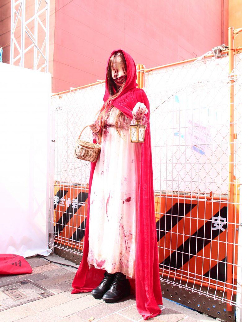 買ってお願い! 2018川崎ハロウィンで見かけたマッチ売りの少女仮装が怖すぎます(笑)