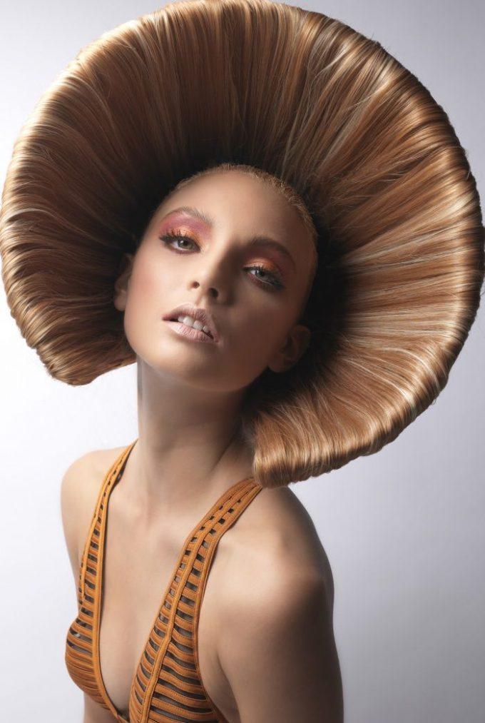 帽子? 紫外線や雨をカットできる夏にピッタリな帽子ヘアスタイル(笑)