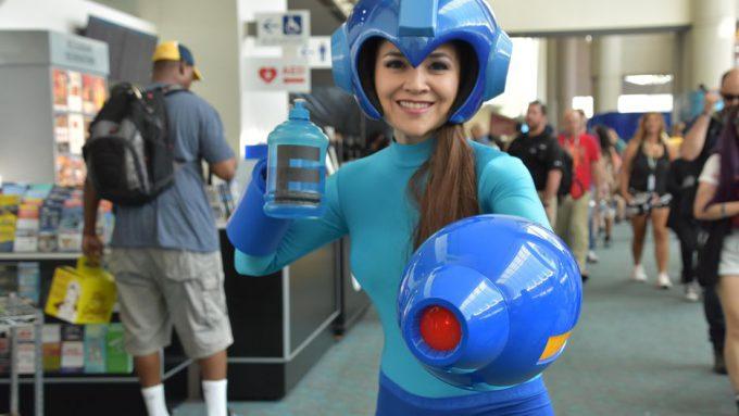 【おもしろコスプレ画像】ワイリー! 『Comic-Con 2018』で見かけたロックマンコスプレがイケてます(笑)