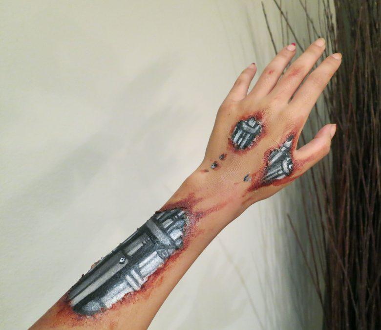 【海外ハロウィンおもしろメイク画像】アンドロイド! 皮膚が剥がれてターミネーター本体が見えているハロウィンメイク(笑)