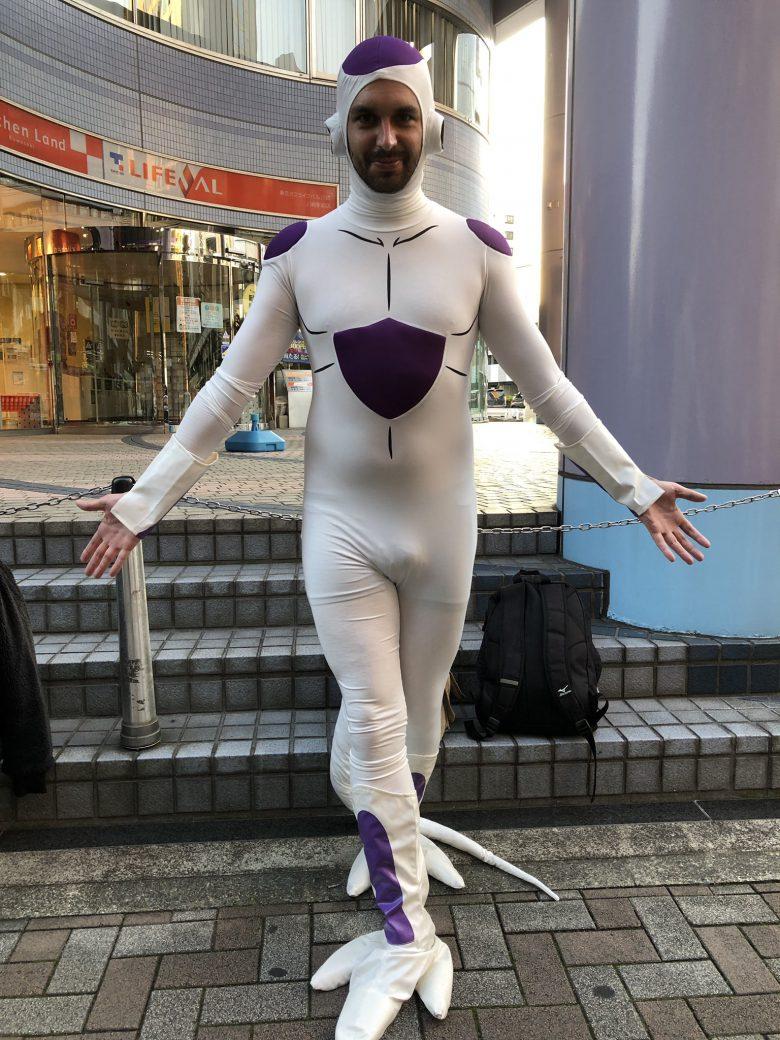 【川崎ハロウィンおもしろ仮装画像】強い! 2018カワハロで見かけたドラゴンボールのフリーザ最終形態仮装がいい感じ(笑)