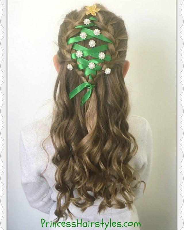 かわいい! クリスマスにぴったりなクリスマスツリーヘアスタイル(笑)