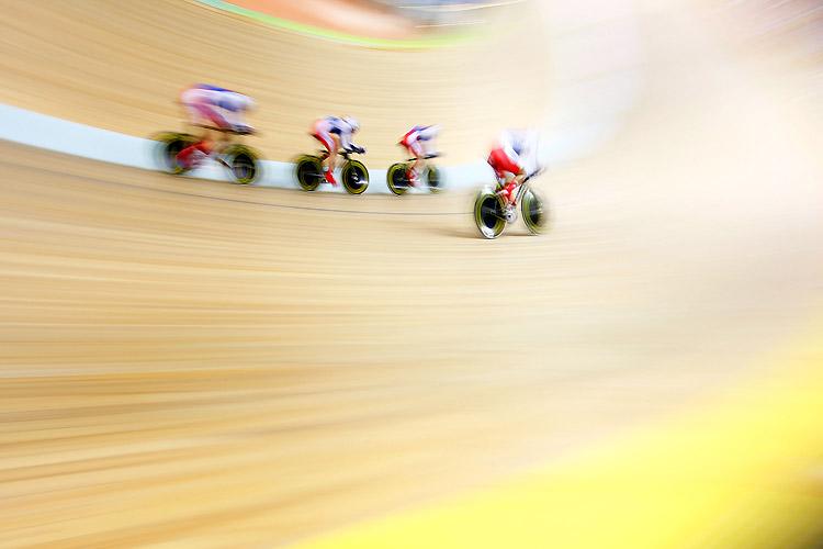 競輪がどれだけ早いか分かる2008北京オリンピックの光景(笑)