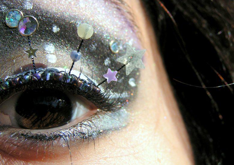 Natalie RussoさんのNebula Eyelash Jewelry