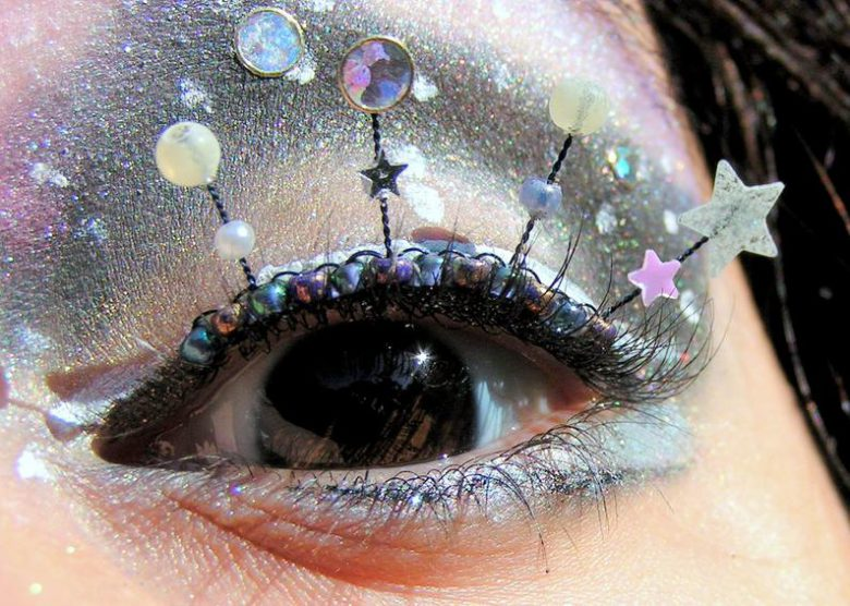 Natalie RussoさんのNebula Eyelash Jewelry